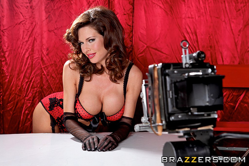 Veronica Avluv in Boobies Over Broadway